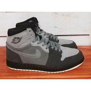 Air Jordan 1 Retro High Sneakers 9